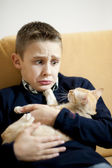 Little boy with cat — Stock Photo