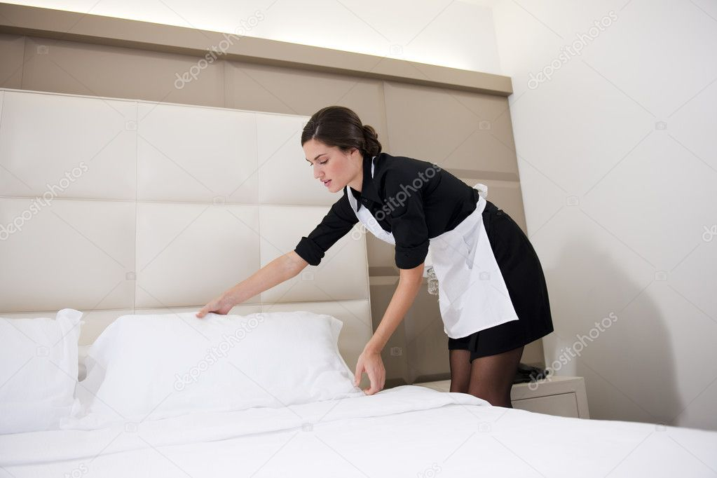 Maid Making Bed Stock Photo Stefanolunardi 4363511