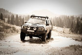 4x4 off-roading through Romania — Stockfoto