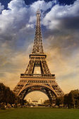 Curves of the Eiffel — Stock Photo