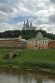 Church on the banks of the river in Smolensk — Stock Photo