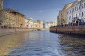 Fluss in sankt petersburg — Stockfoto