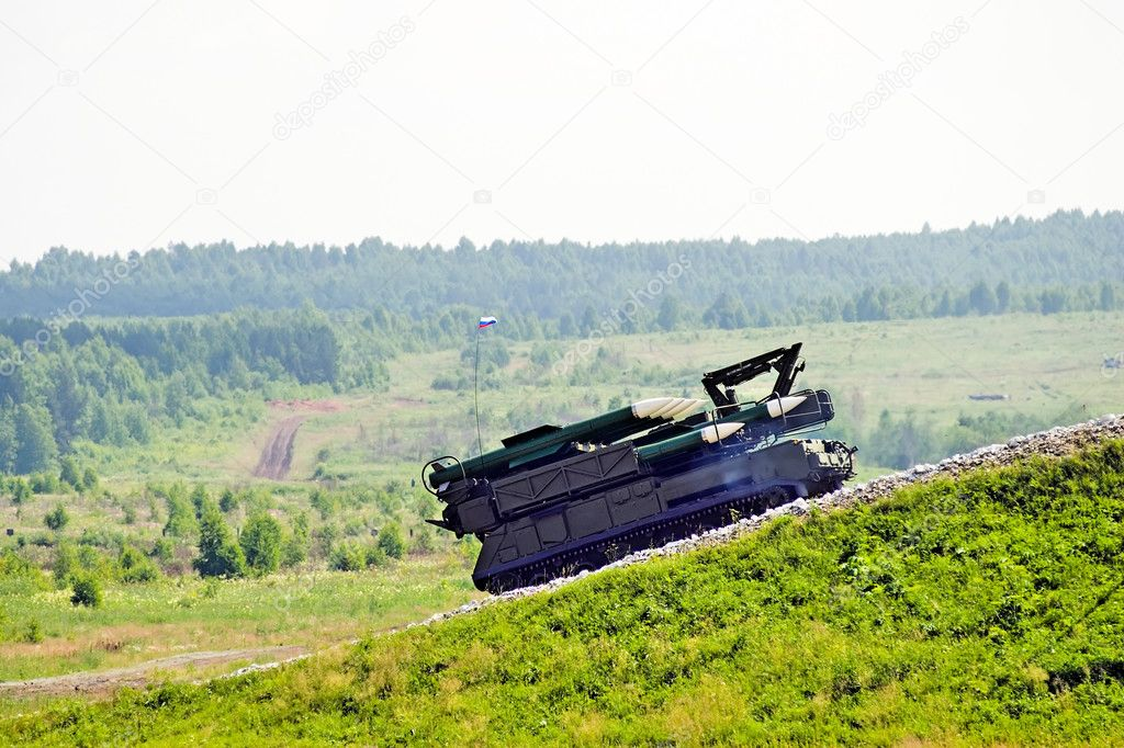 Rocket launcher at show program on military exhibition in Nizhny Tagil — Stock Photo #3823692