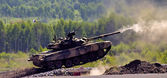 Shooting tank T-90 — Stock Photo