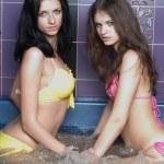 Mädchen im Massagebad — Stockfoto #3891883