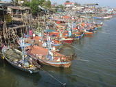Moored fishing boats at Cha-am harbour, Thailand — Stock Photo