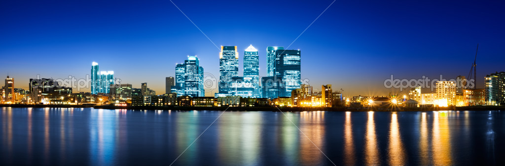 Panoramic picture of Canary Wharf view from Greenwich.   Stock Photo #3827843