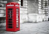 Kırmızı telefon kulübesi — Stok fotoğraf