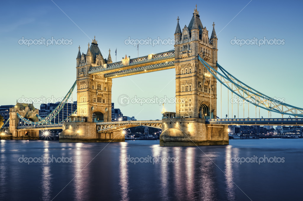 Tower Bridge at night. — Stock Photo #3856707