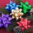 Christmas Bows Evergreen Branch and Pine Cones — ストック写真