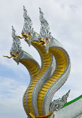 Three head dragon — 图库照片