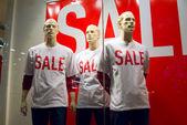 Sale, manikin, window dummy, display dummies. — Stock Photo