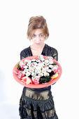 Flicka med sushi — Stockfoto