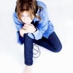 chica joven en auriculares — Foto de Stock