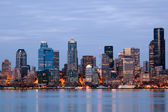 Seattle washington skyling al crepuscolo — Foto Stock
