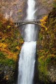 Waterfall - multnomah falls in Oregon — Stock Photo