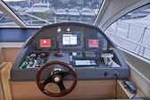 イタリア、ナポリ、豪華ヨット、consolle を駆動 — ストック写真