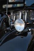 Phare avant et moteur de noir hot rod — Photo