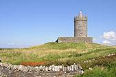 Ancien château irlandais sur la côte ouest d'irlande — Photo