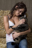 Niña y gato — Foto de Stock