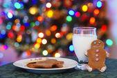 Perník muži cookies a mléko pro santa
