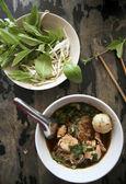 Vepřové nudle polévka populární thajské jídlo Bangkoku pouliční jídlo