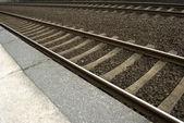 železniční tratě na vlakovém nádraží