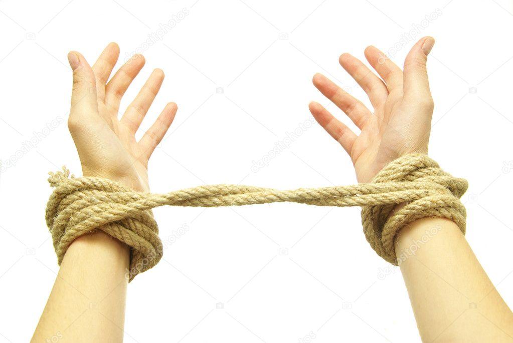Перетяни конец через предыдущие полузацепки, обкрути еще раз вокруг веревки и протяни снизу через петлю.