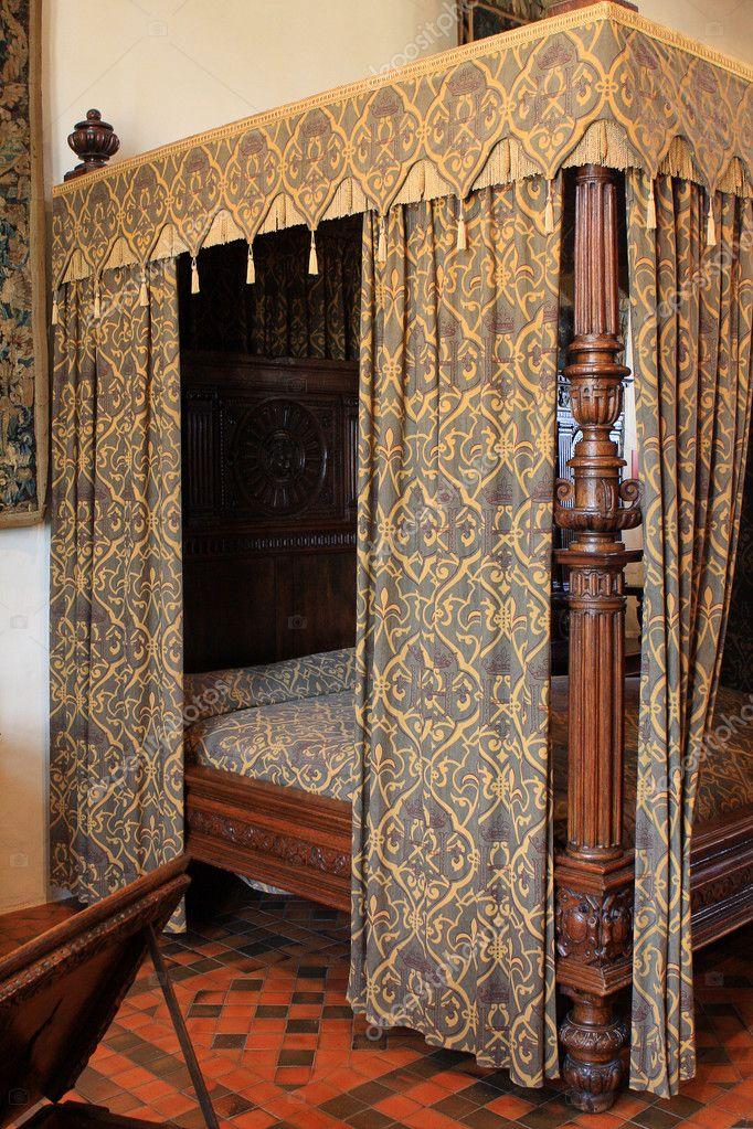 Koninklijke slaapkamer — Stockfoto © Snake81 #3744289