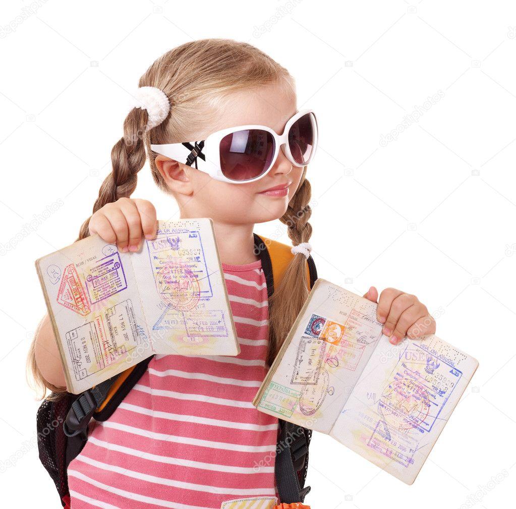 Resultado de imagem para crianca e passaporte