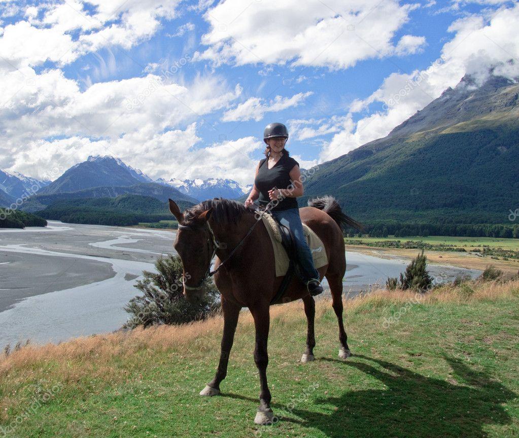 M dchen auf pferd in neuseeland stockfoto steveheap for 2533 raumgestaltung und entwerfen