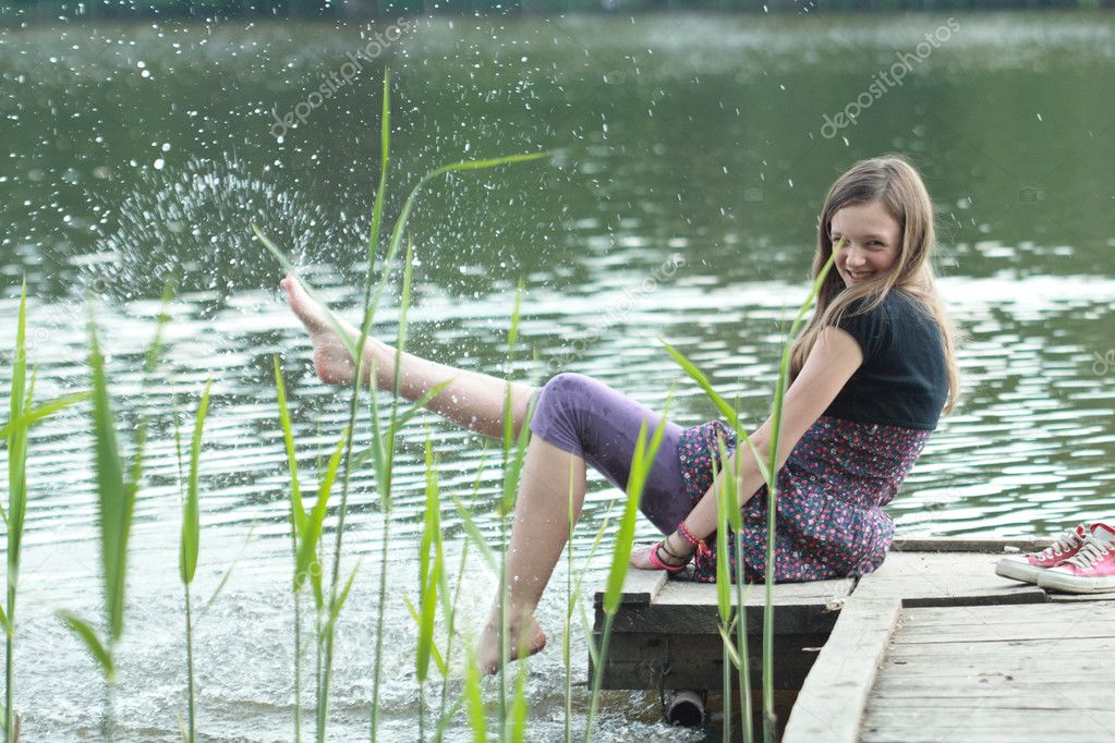 случайное фото девушек на речках