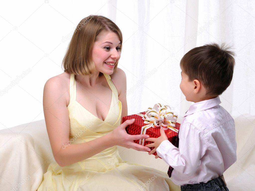 Дают сынов мамы когда
