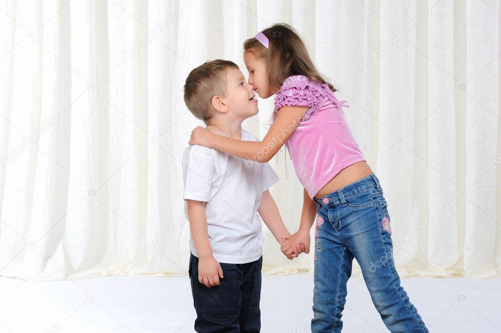 Брат с сестрой трахаются порно фото 82095 фотография