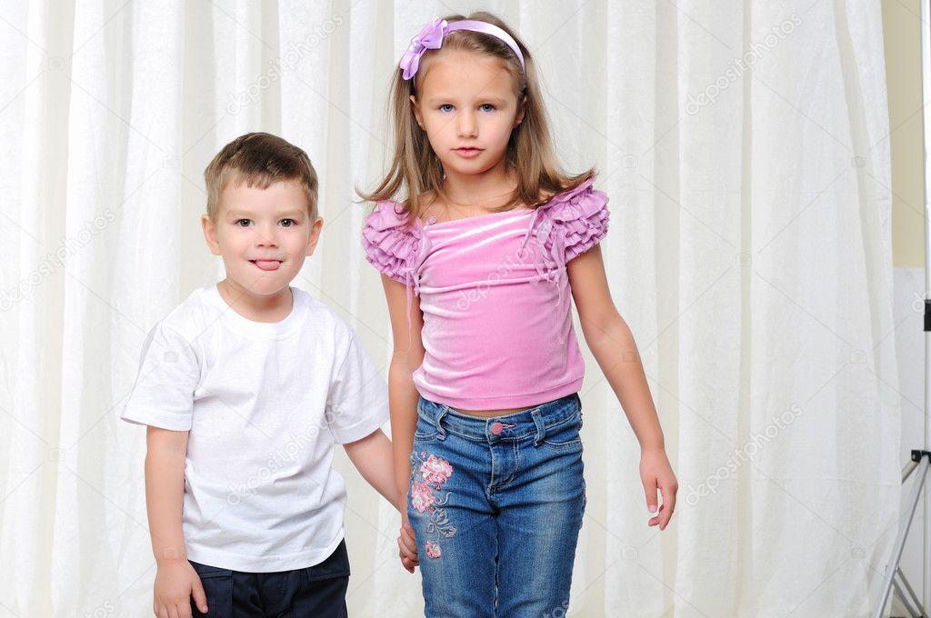 брат трахнул свою молодою мамашу