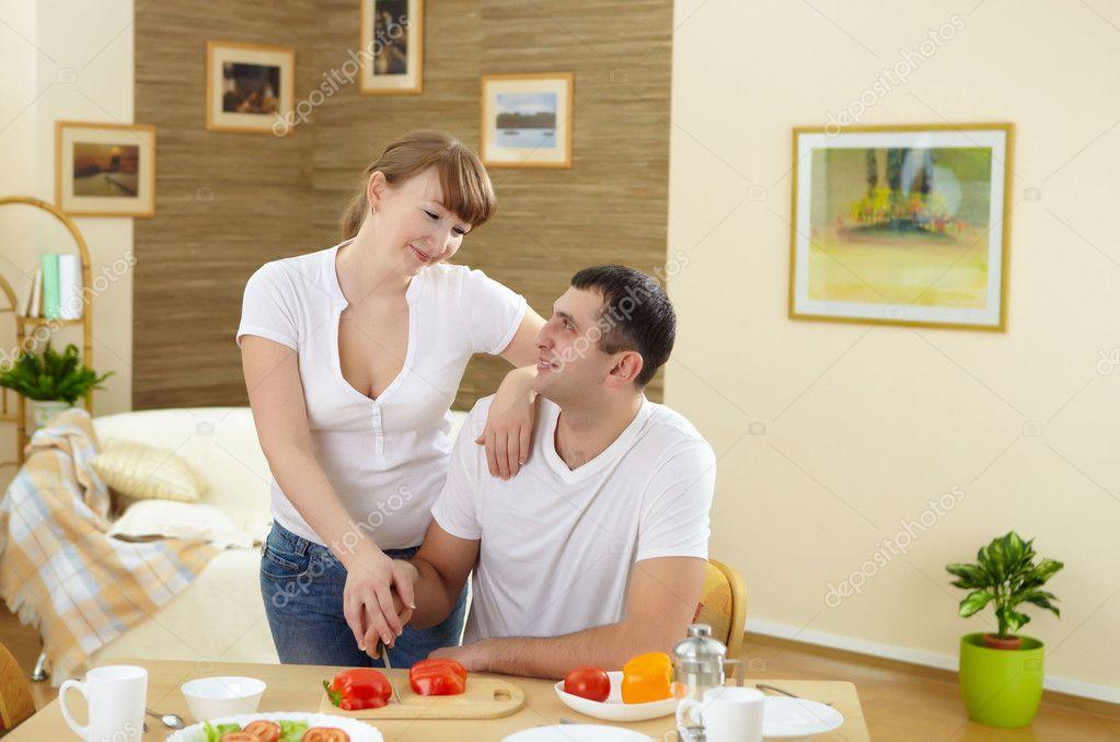 Жена с мужем дома фото 121-542