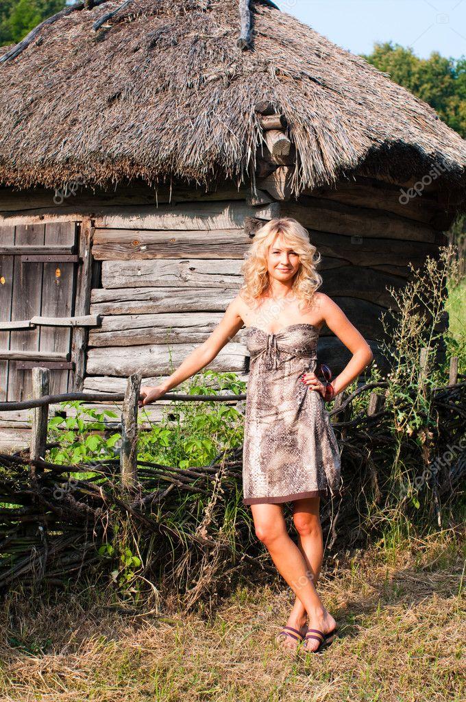 Фото блондинок в деревне