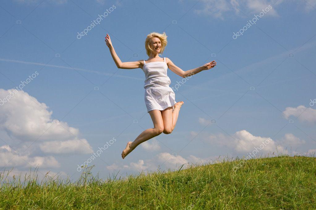 Моя девушка прыгает мне на руки бабенки снимки видео