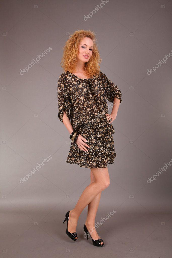 Женщины в легком платье фото мочеиспускательный