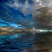 dramatická obloha nad mořem