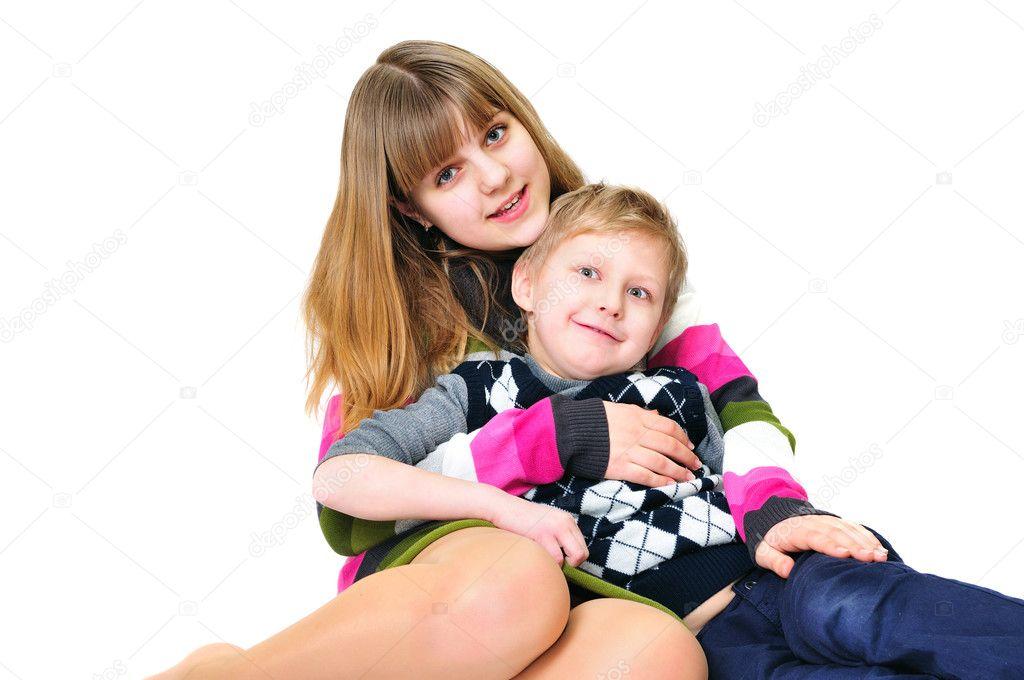 Фото ебли брата с сестрой 37639 фотография
