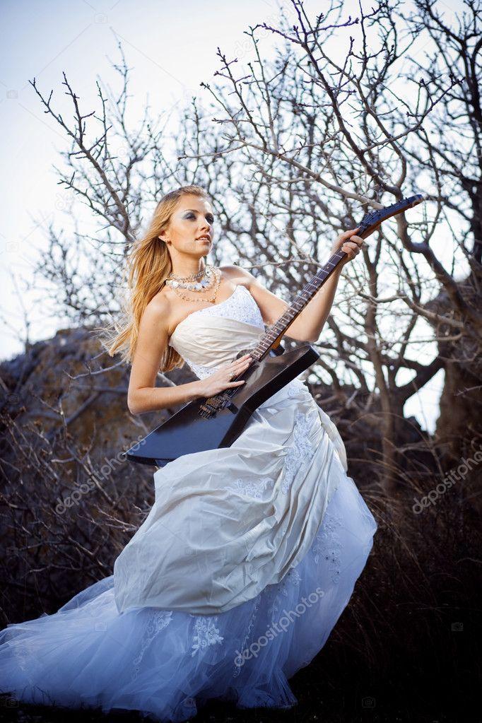 Невесты с гитарами картинки, байрам фото открытки