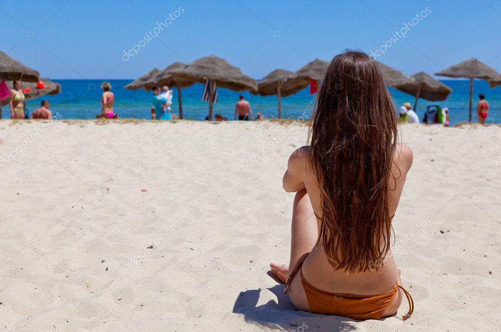 Видео секса на диком пляже фига