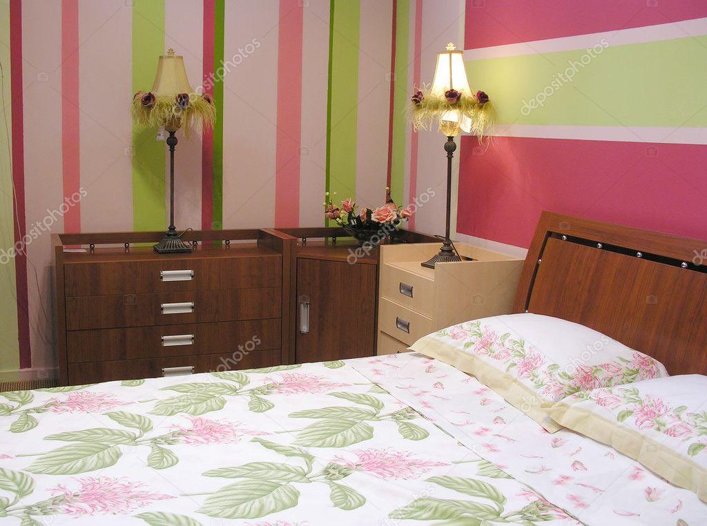 Camera Da Letto Verde E Rosa : Camera da letto verde rosa u foto stock paha l