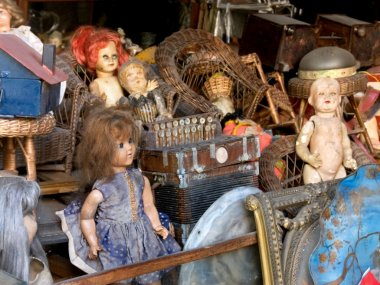 Antiques and dolls
