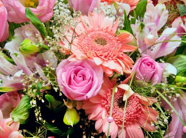 Huge bouquet of various pink flowers