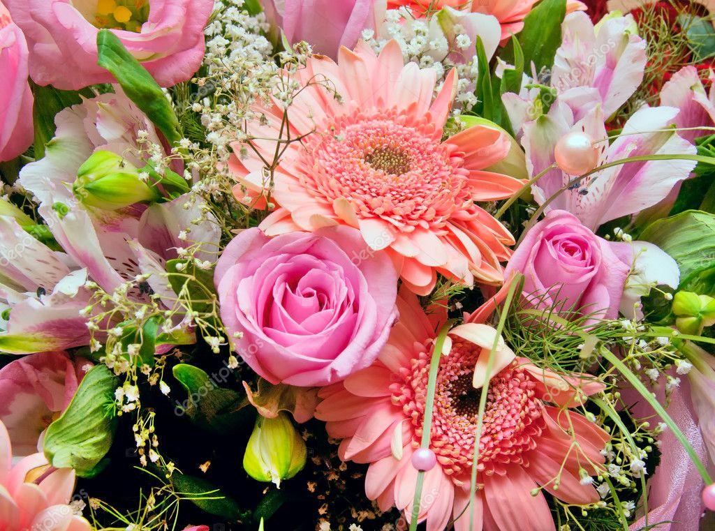 Mazzo Di Fiori Gigantesco.Huge Bouquet Of Various Pink Flowers Stock Photo C Yellek 3918336
