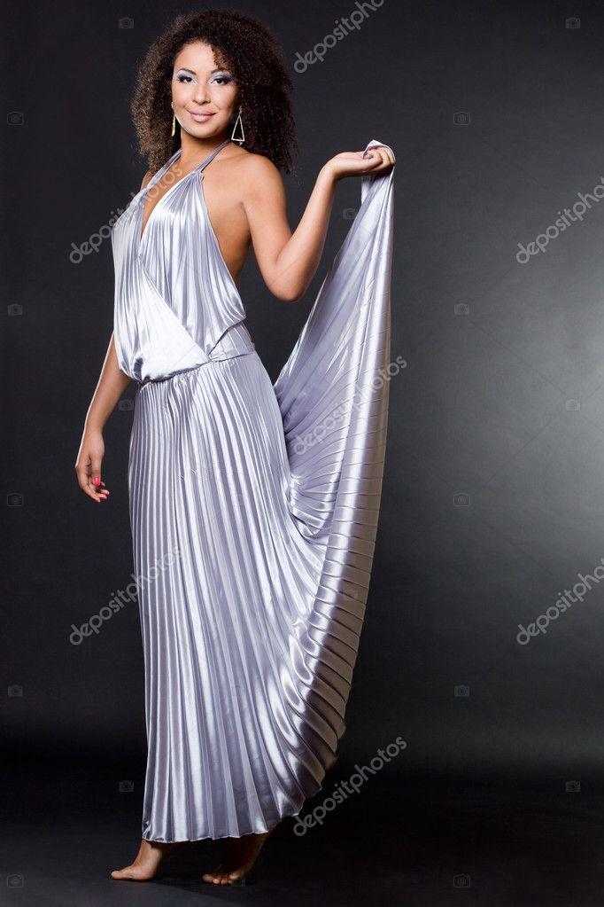 0b06452b67a Μοντέρνα φορέματα γυναίκα σε μαύρο — Φωτογραφία Αρχείου ...