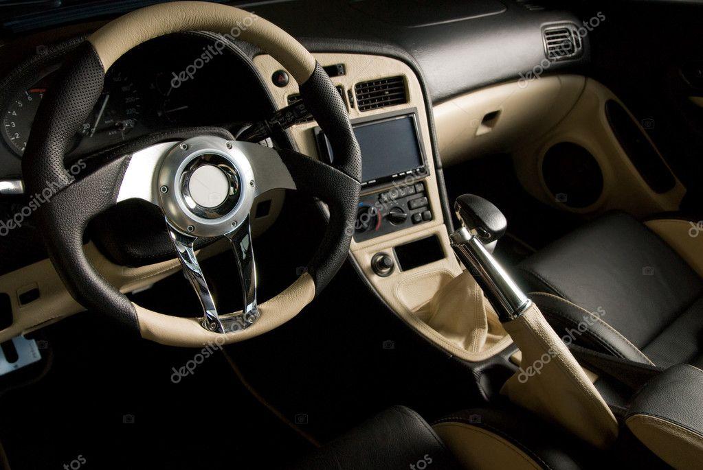 tuned sport auto luxe lederen interieur stockfoto