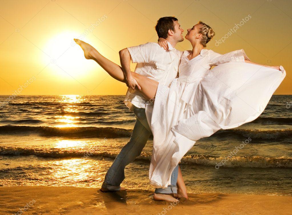 Девушки в танго фото на пляже фото 20-202